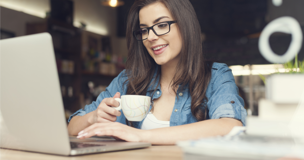 Mujer decide aprender inglés con Wall Street English (1)