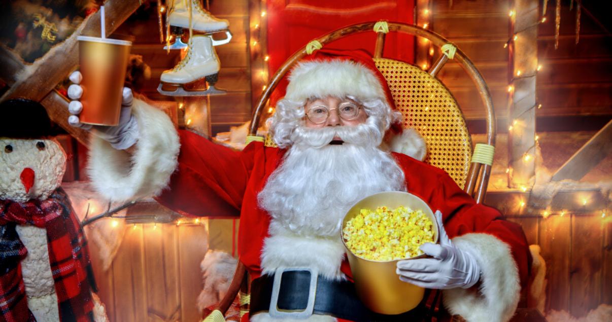 Santa clause aprendiendo inglés mirando películas navideñas.